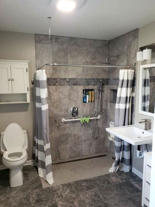 Barrier-free shower in Chicago, IL